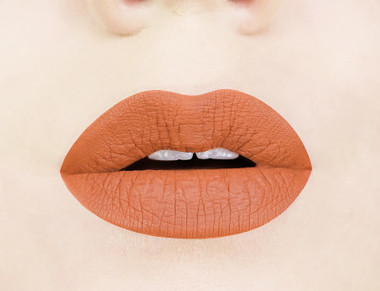 burnt pumpkin liquid lipstick swatch