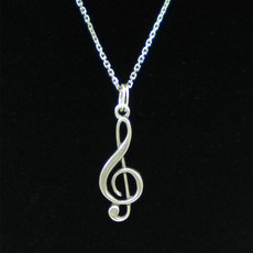 Treble Clef Charm Close