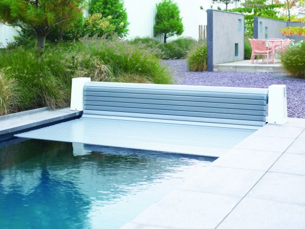 Swimming Pool Automatic Slated Roldeck Easy Cover System