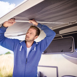 The Dometic AW-TR tension rafter easily enables you to increase the tautness of your canopy