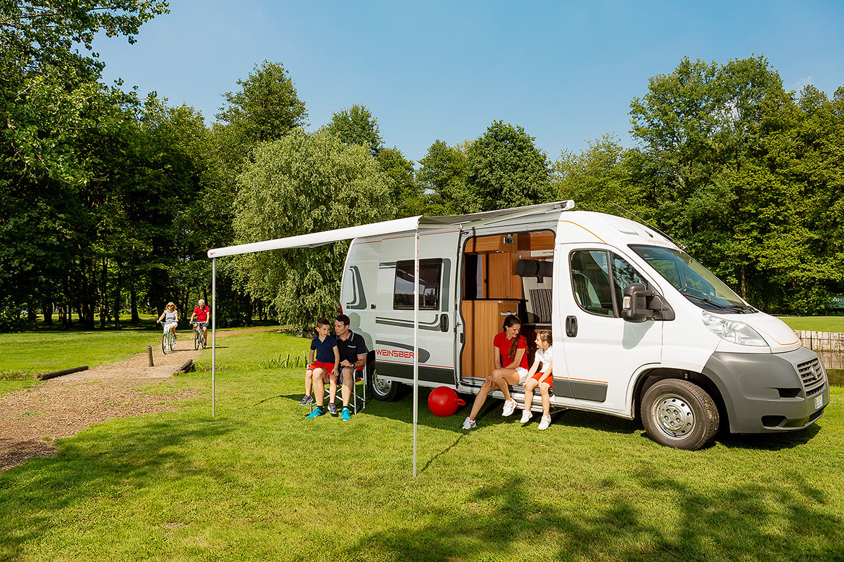Fiamma F80S Wind Out Roof Mounted Motorhome and Campervan