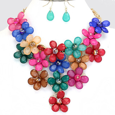 "• Style No : [244870] FN1194-GD-DKMT-17"" + 3""L  • Color : Gold / Red / Blue / Brown / Pink / Green / Purple  • Necklace Size : 17"" + 3"" L  • Charm Size : 5"" L  • Earring Size : 2"" L  • Translucent Resin Daisy Necklace  • Material : Lead compliant"