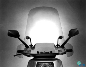 Slipstreamer_CH250_Scooter_Windshield.jpg