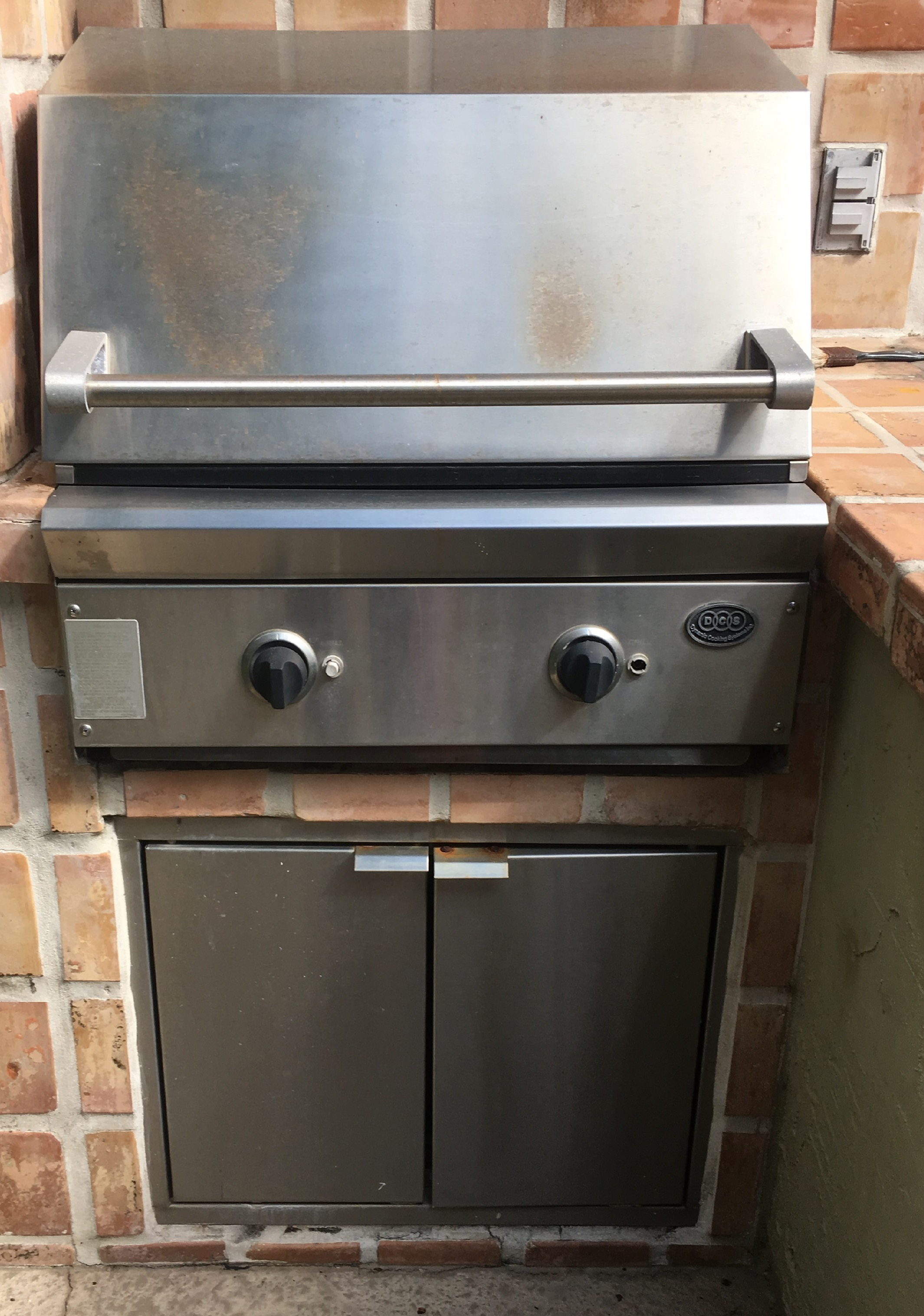 """DCS 27"""" Built-in Grill"""