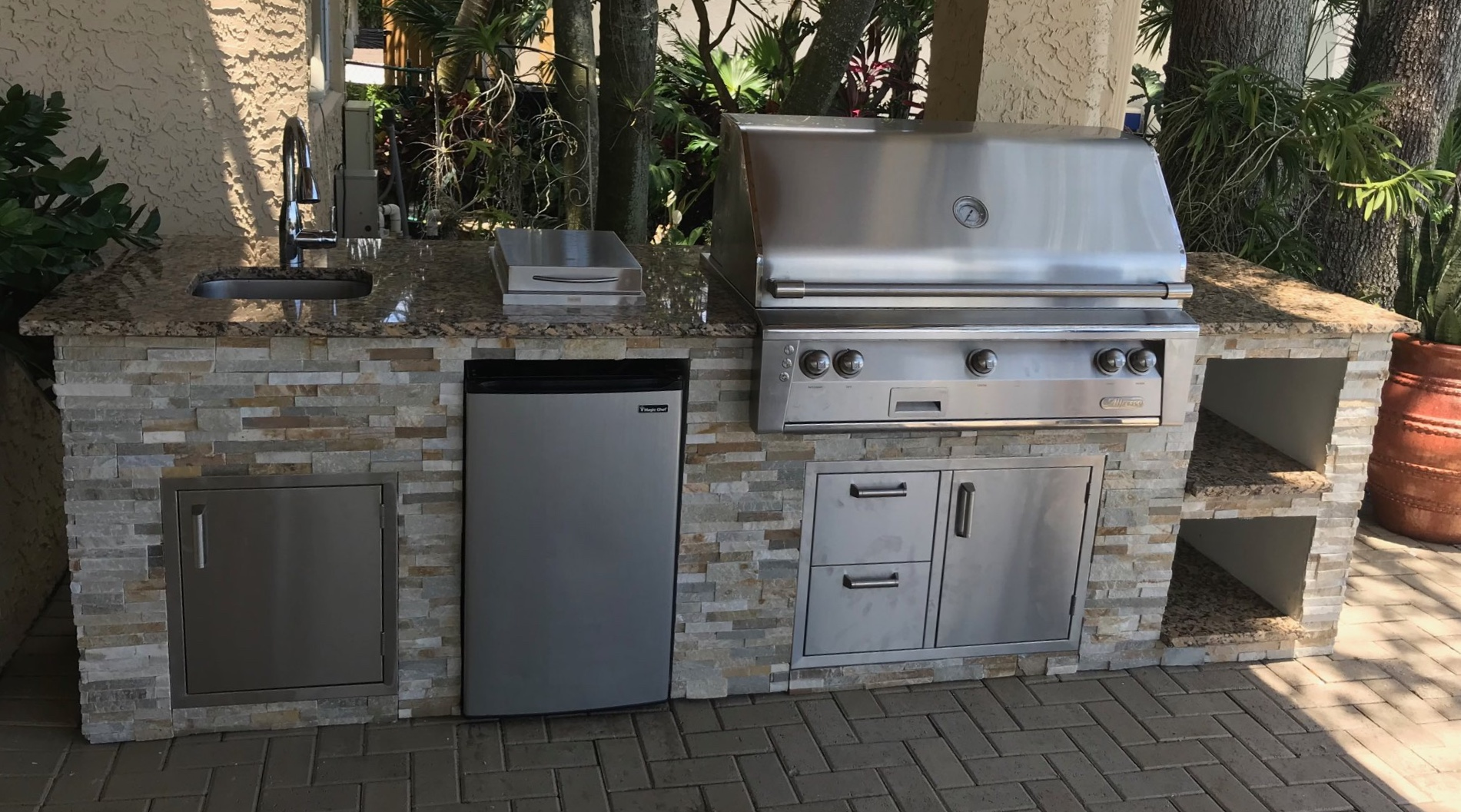 Image of: Outdoor Kitchen Checklist Choosing Appliances For Your Outdoor Kitchen The Bbq Depot