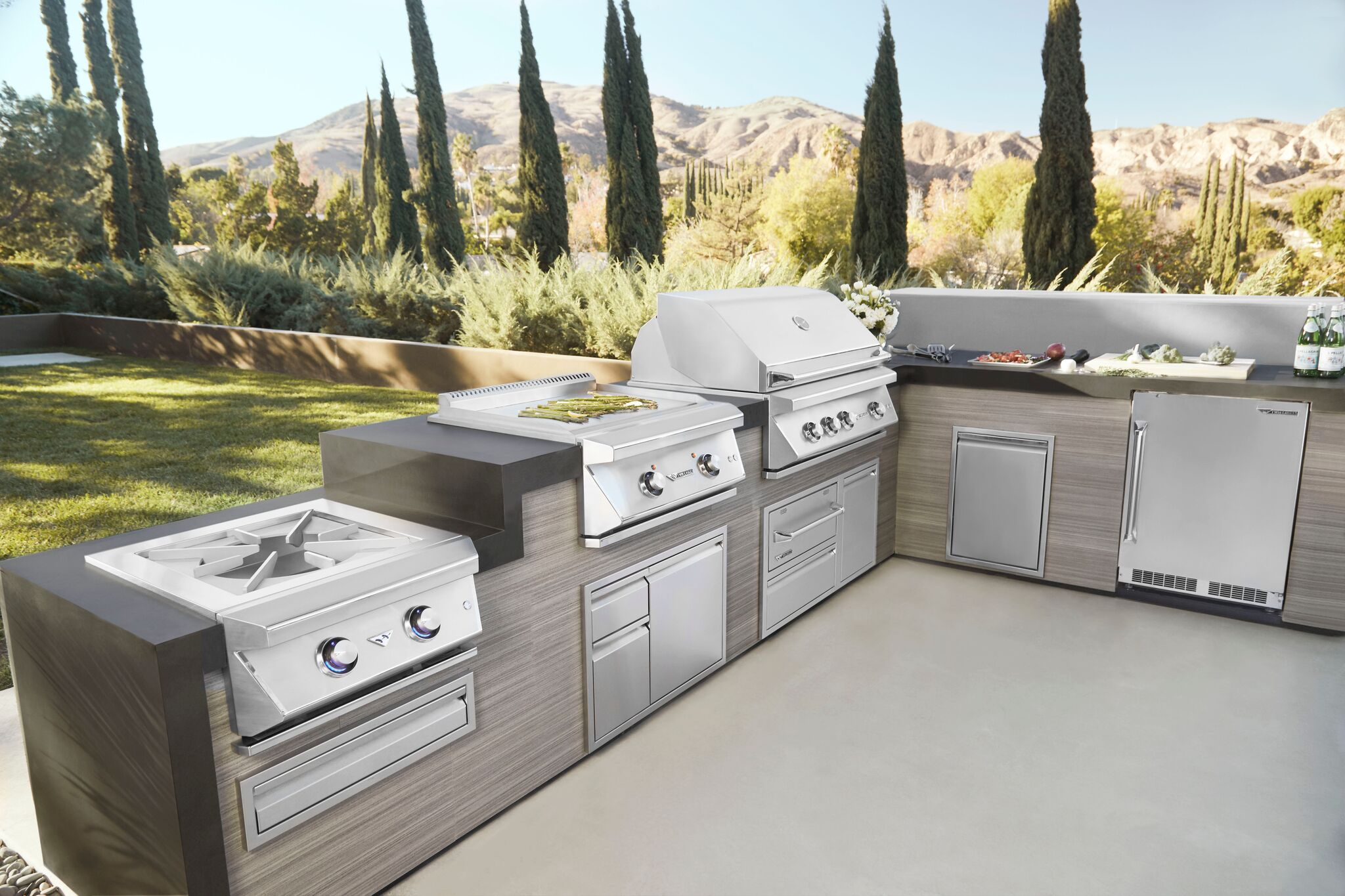 "Twin Eagles 42"" Outdoor Kitchen"