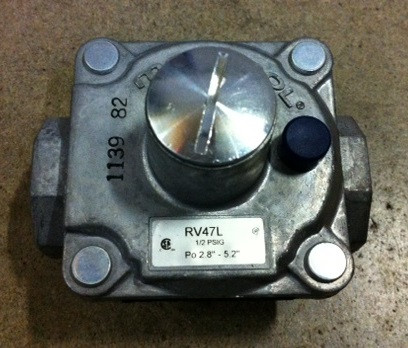 Natural Gas Appliance Regulator 1/2