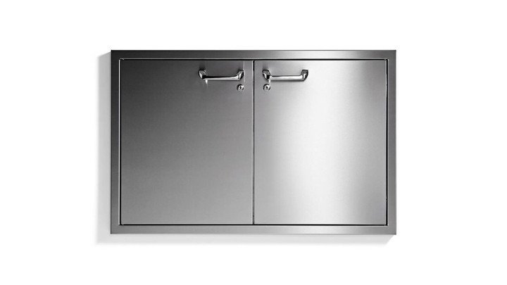"Lynx 36"" sealed pantry"