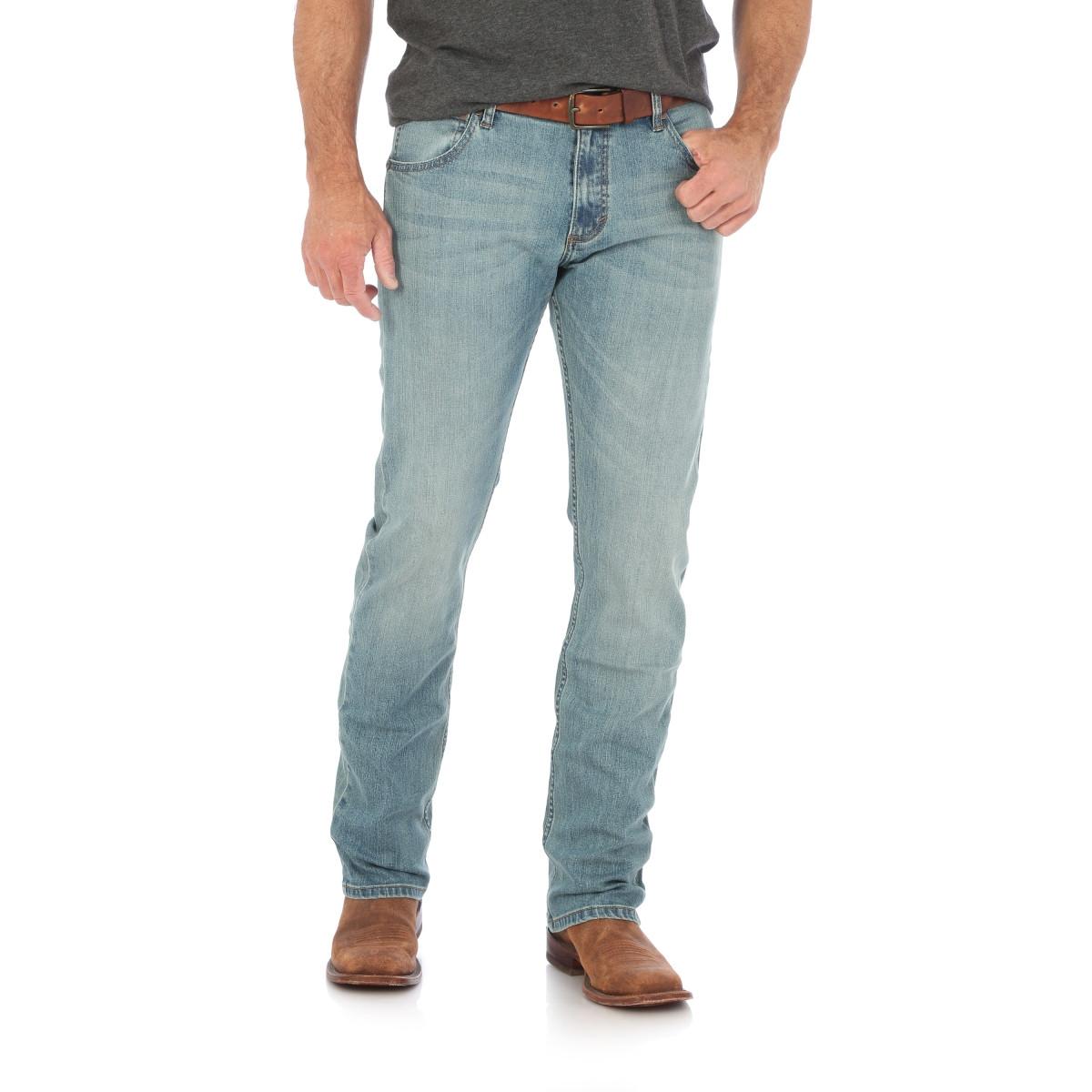 bdde716e ... Wrangler Retro® Slim Straight Jean light Wash. Image 1