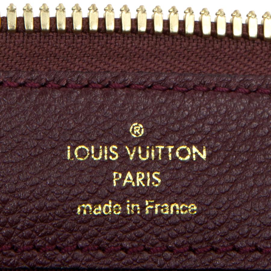 77230a8c0afe Louis Vuitton Flamme Empreinte Petillante Clutch - modaselle