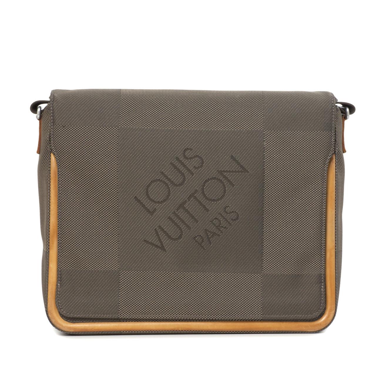 louis vuitton messenger bag. image 1; 2 louis vuitton messenger bag 7