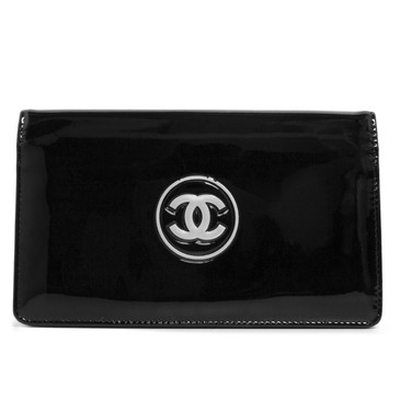 Chanel Black Patent CC Trousse Maquil Yen Wallet