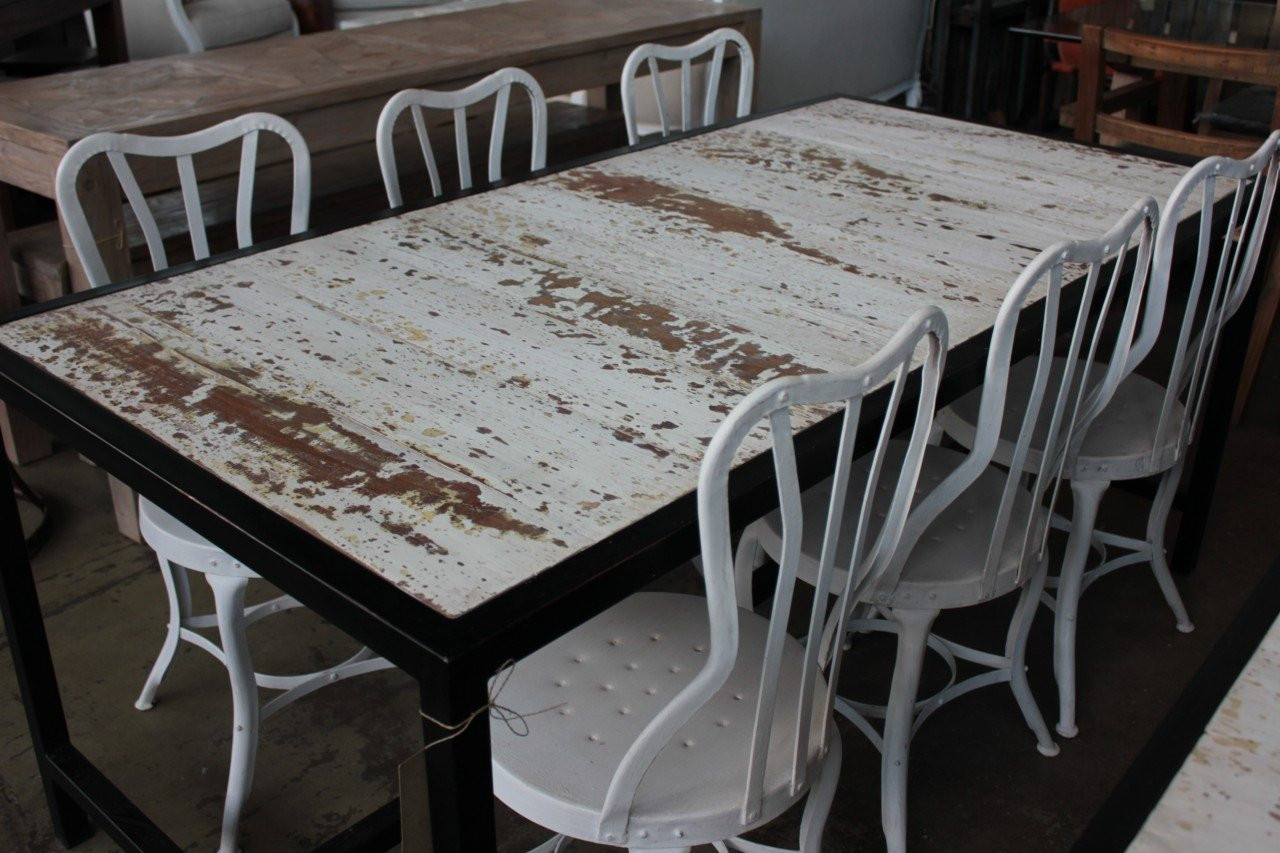 Shabby Chic Breakfast Table: Shabby Chic Dining Table