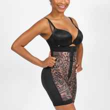 Animal Spirit!  The High Waist Girdle lifts and firms the buttocks while helping to achieve a slimmer waistline. It corrects and maintains a better posture. It is available in two stunning designs.  OUR RESHAPING SOLUTION WHEN WORN  Thins the hips Underbust body control Reshapes your abs and hips Improves circulation