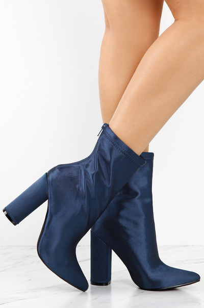 Statement Touch - Navy Satin