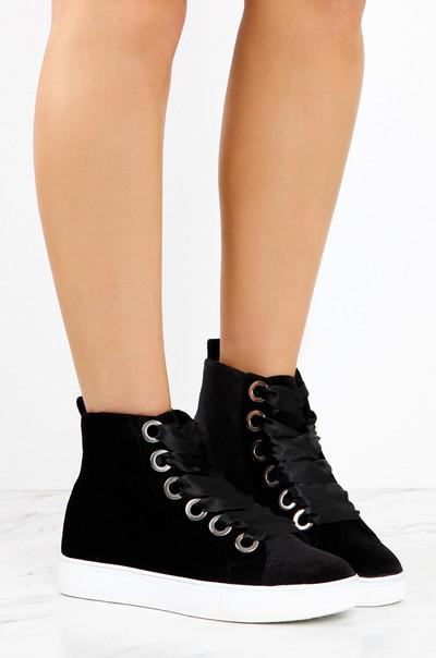 Style Cred - Black Velvet