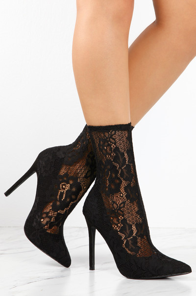 Laced Affair - Black