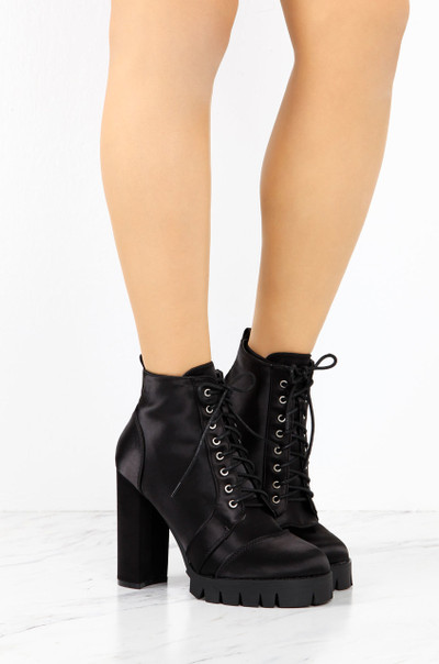 Call Of Bootie - Black