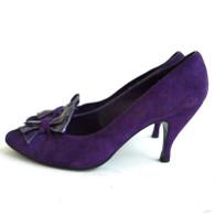 DESIGNER Vintage Stuart Weitzman Purple Suede Pump