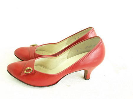 Vintage Shoes Joyce Red Round Toe Pump