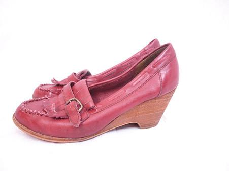 Vintage Pinwheels Brick Red Tassel Wedge Heel