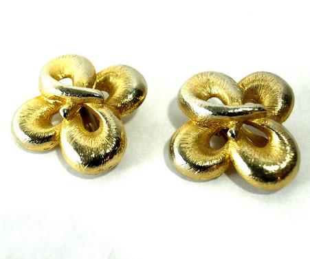 Vintage four leaf clover earrings