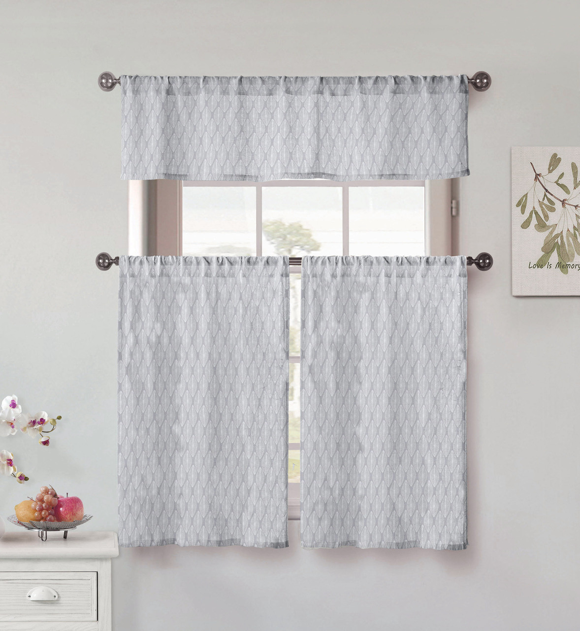 Vera Neumann Collection 3 Piece Small Window Curtain Set Leaf
