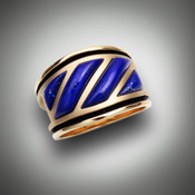 RB 32 Lapis This ring is set with Lapis Lazuli set in14kt yellow gold.