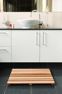 cedar bath mat medium