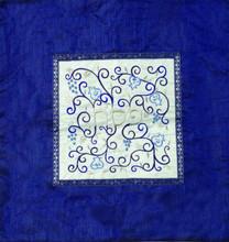 EM-MMD1 Embroidered Matzah Cover Pomegranates White on Blue