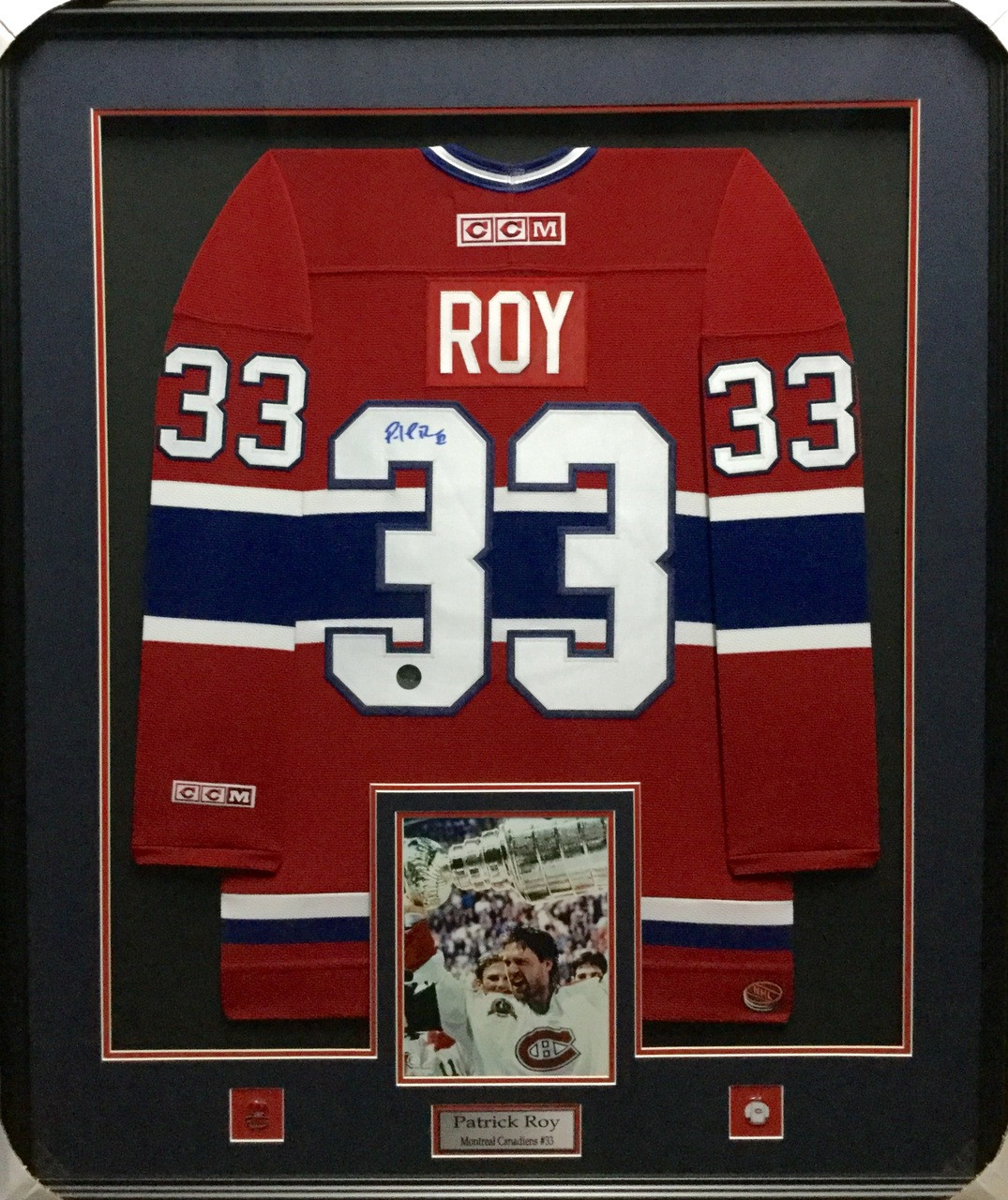 new styles cef86 66bf4 Patrick Roy Montreal Canadiens Red Signed Framed Jersey