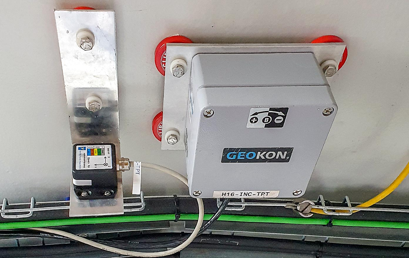 Photo of Model 6161 MEMS Tilt Sensor installation