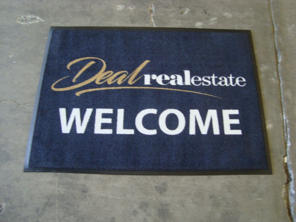 deal-real-estate-850x600mm-logo-mat.jpg