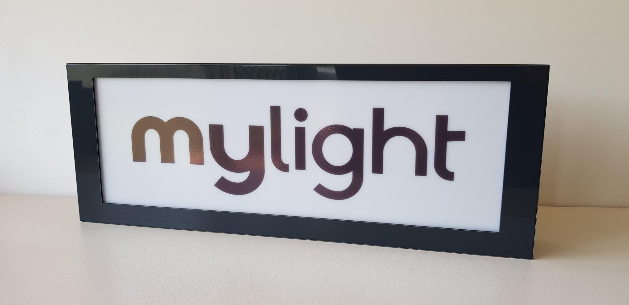 logolight-6-.jpg