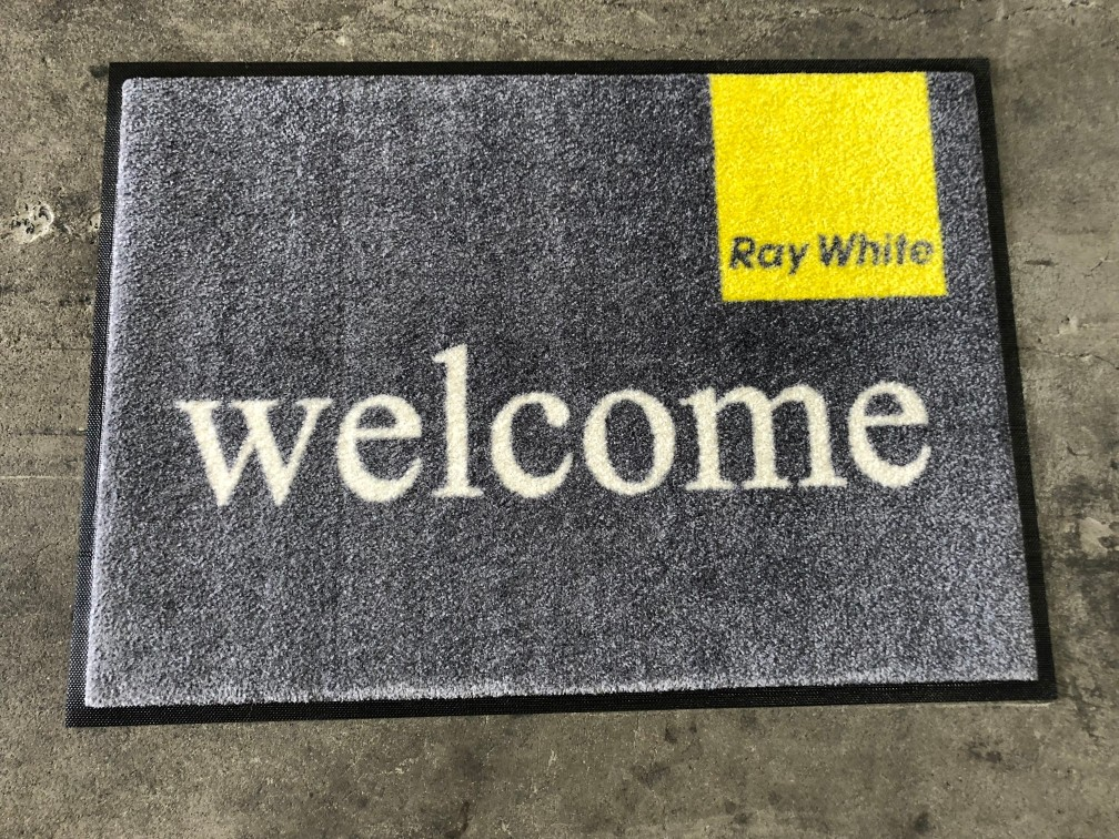 ray-white-600x850mm-plush-logo-mat1.jpg
