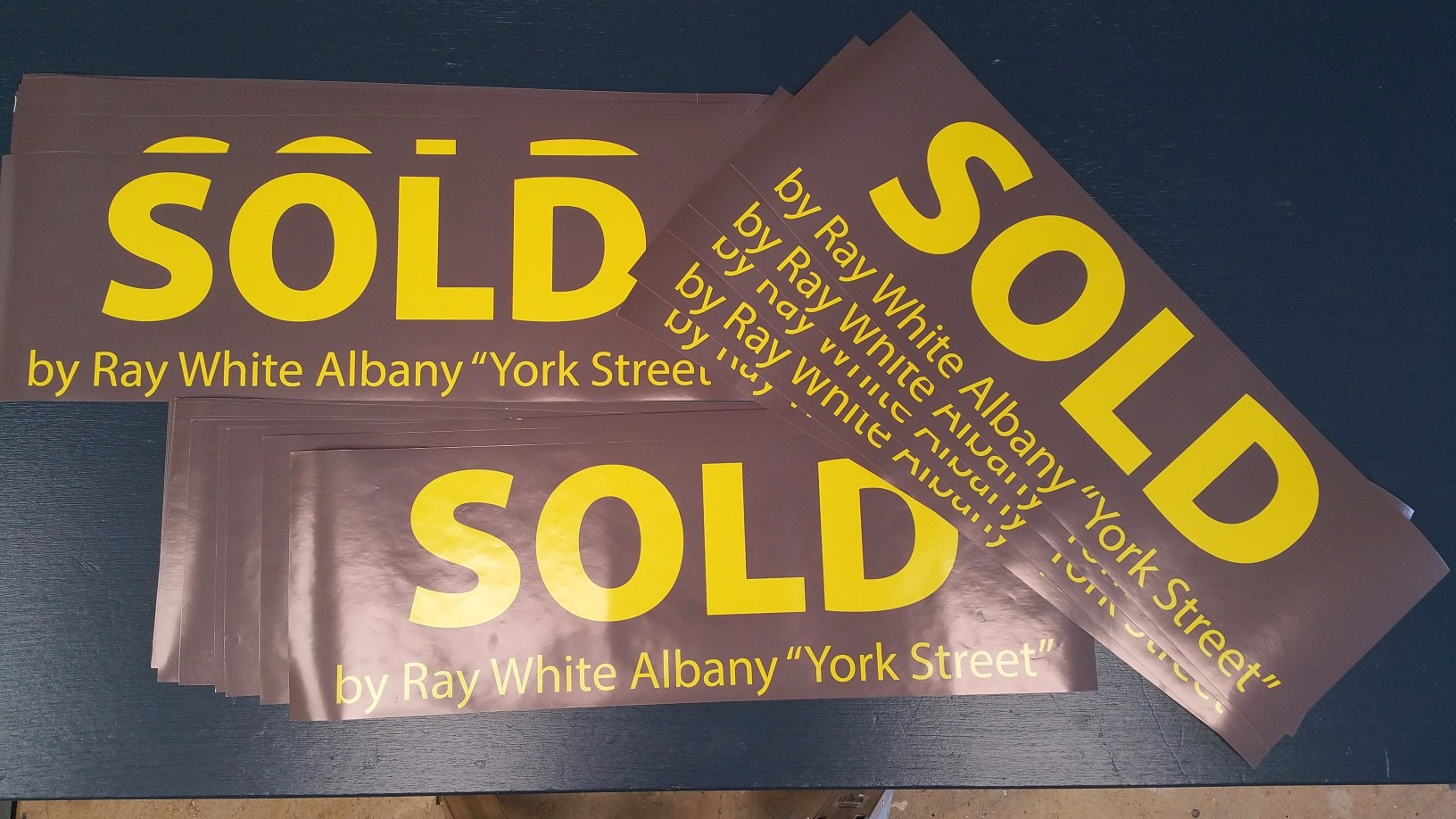 sold-sticker-ray-white.jpg