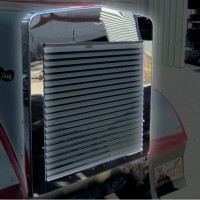 Kenworth W900L Aftermarket Grill Surround