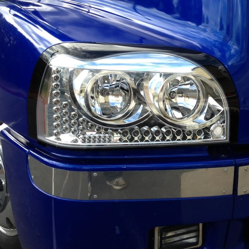 Freightliner Century Headlights Close Up On Truck - Angle