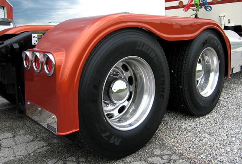 Custom Semi Truck Fenders : Semi truck fiberglass full fender set with high light