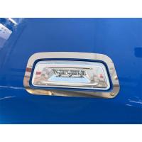 Kenworth T680 & T880 Fender Side Marker Trim On Blue Truck