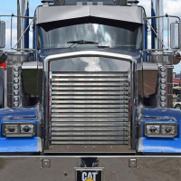 Kenworth W900B Horizontal Bar Grill Zoomed