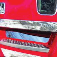 Kenworth T700 Stainless Steel Front Upper Step Kick Plate On Truck