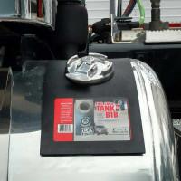 Universal Rubber Fuel Cap Bib