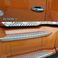 Kenworth T680 T880 Stainless Steel Cab Panels With P1 Style Amber LEDs