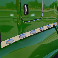 "Kenworth T680 T880 Stainless Steel 76"" Sleeper Panel On Green Truck"
