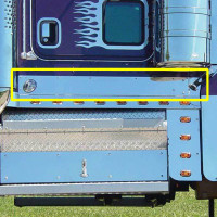 Kenworth W900L Aero Cab Kick Panels