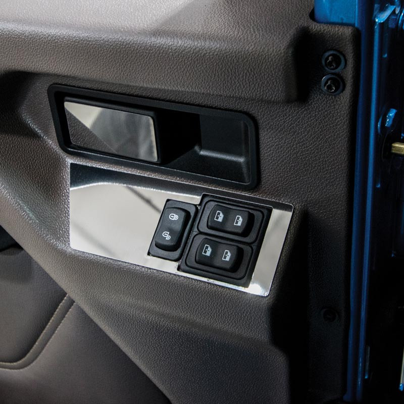 International HX520 Window And Lock Control Trims