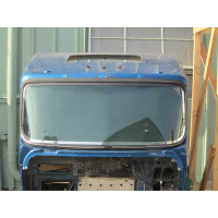 Kenworth T660 Stainless Steel Curved Windshield Trim - Close Up