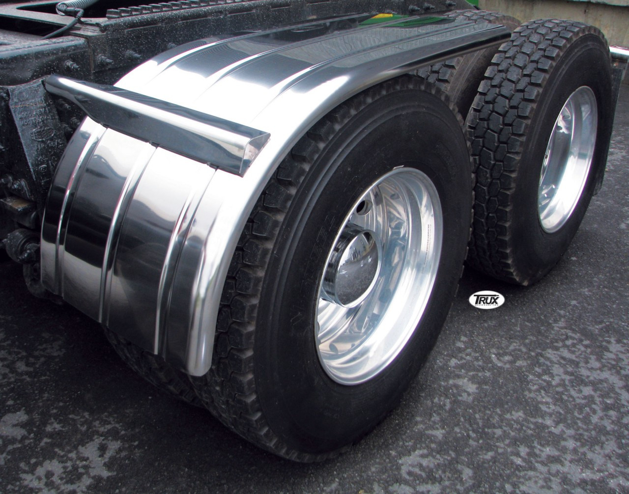 60 U0026quot  Semi Truck Stainless Steel Ribbed Half Fenders