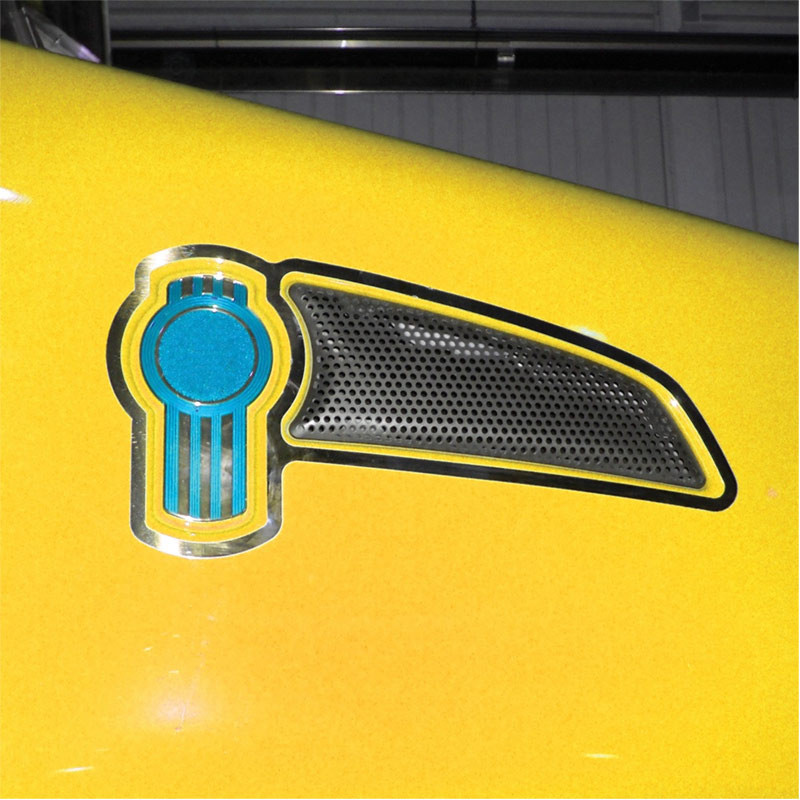Kenworth T660 Air Intake & Logo Trim